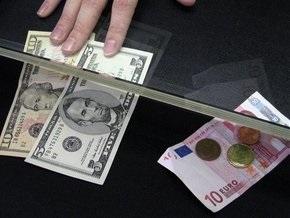 Доллар падает к евро и иене