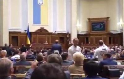 Турчинов не показал, как голосовали фракции за особый статус Донбасса