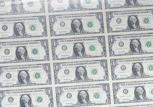 Евро нерешительно обмяк на межбанке, доллар смело идет вверх