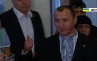 Даже при Януковиче такого не было. Депутаты рассказали о голосовании законов о Донбассе
