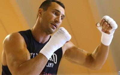 Владимир Кличко хотел выйти на бой с Пулевым с травмированной рукой