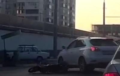 В России водитель переехал голову мотоциклисту