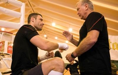 Тренер Виталия Кличко будет работать с российским боксером