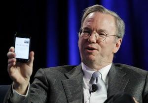Глава Google продемонстрировал новый смартфон Nexus S