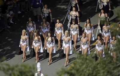 Фотогалерея. Спортивные кадры недели:  Золотые девушки  и брызги шампанского