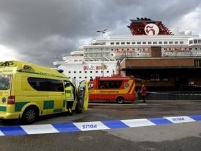 В порту Стокгольма загорелся круизный лайнер с 2300 людьми на борту