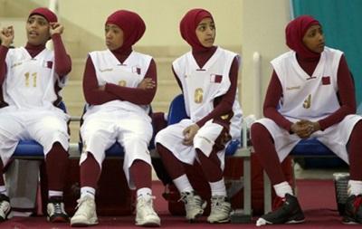Катарские баскетболистки бойкотировали турнир из-за запрета играть в хиджабах