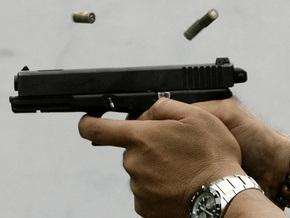 В Одессе мужчину от пули грабителя спас толстый пуховик
