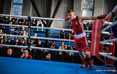 Бокс: Шелестюк и Усик закончили борьбу на чемпионате Украины