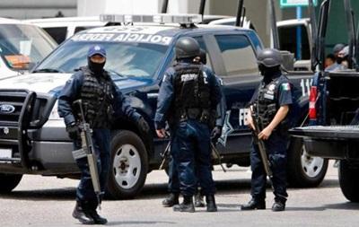 В Мексике более 20 полицейских задержали по подозрению в убийствах