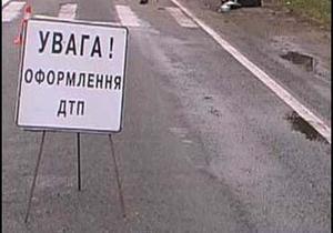 Во Львовской области 18-летний водитель врезался в жилой дом, травмировав владельца квартиры