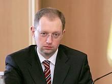 Яценюк не собирается вступать в НСНУ