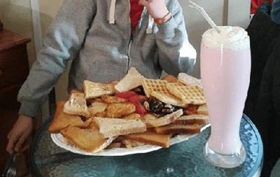 В английском кафе предлагают самый калорийный в мире завтрак