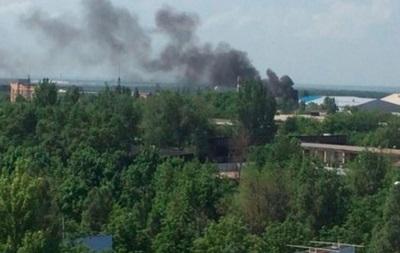 В Донецкий металлопрокатный завод попал снаряд, один человек погиб