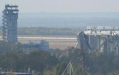 Сепаратисты захватили два терминала Донецкого аэропорта – Семенченко