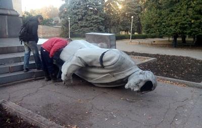 В Кривом Роге снесли памятник Ленину