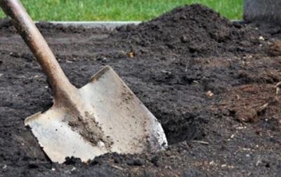 В Славянске нашли очередное безымянное захоронение