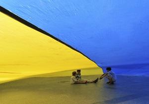 22 года назад в Киеве официально подняли сине-желтый флаг