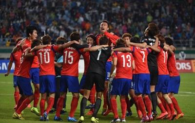 Футболистов Южной Кореи освободили от службы в армии за победу на Азиатских играх