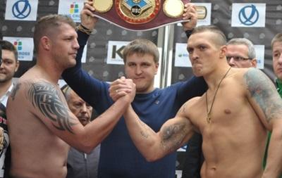 Взвесились перед боем: Александр Усик оказался тяжелее соперника