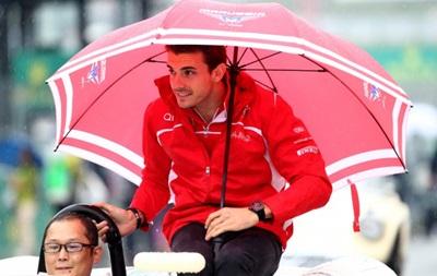 Состояние попавшего в аварию гонщика Формулы-1 остается критическим