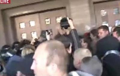 Под Киевсоветом предприниматели подрались с милицией