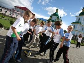 Киевским подросткам могут запретить гулять после 21:00