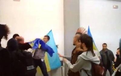 Выставка о Донбассе в Испании: студенты подрались с украинцами - СМИ