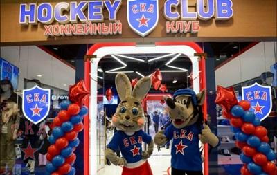 Российский хоккейный клуб взял на работу Зайца и Волка из  Ну, погоди!