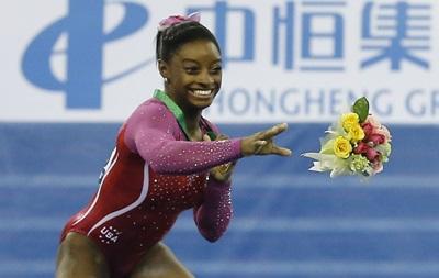 Чемпионка мира по гимнастике убежала с подиума