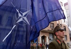 Опрос: 60% украинцев - против вступления в НАТО