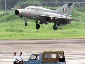 В Индии разбился МиГ-21, пилот катапультировался