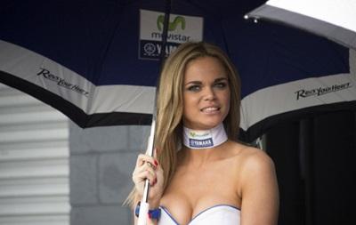 Фотогалерея. Спортивные кадры недели: Блондинка на гонках и грязный экстрим