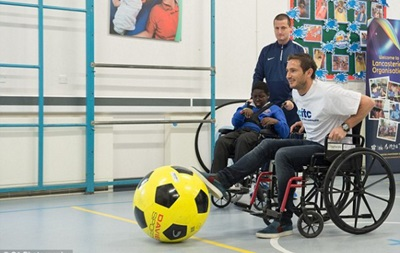 Лэмпард на инвалидной коляске дал мастер-класс детям с ограниченными возможностями