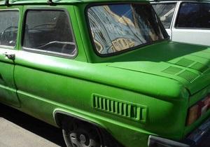 В Святошинском районе столицы угнали зеленый Запорожец