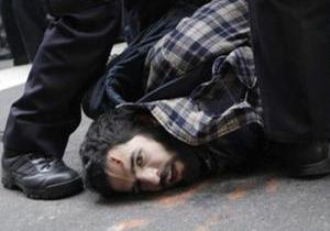 Фотогалерея: Принуждение к порядку. Полиция Нью-Йорка задержала сотни активистов движения Захвати Уолл-Стрит