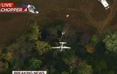 В столкновении самолета и вертолета в США погибли три человека