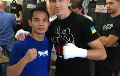 Пакьяо пригласил украинского боксера на свой бой в Китае - СМИ