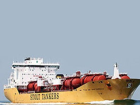 Сомалийские пираты напали на танкер, недавно освобожденный из плена