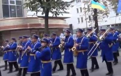 В Ивано-Франковске прошел марш в честь годовщины провозглашения ЗУНР