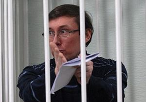 Луценко: Прокуроры просто не знают, что спрашивать