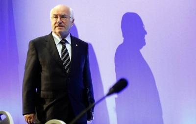 FIFA вслед за UEFA также наказала президента Федерации футбола Италии за расизм