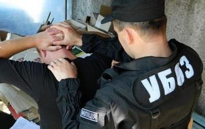 В Запорожье УБОП ликвидировал крупный канал поставки оружия из зоны АТО