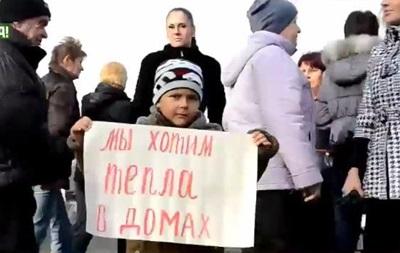 Жители Одессы перекрыли дорогу, требуя включить отопление