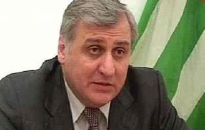 Экс-премьер Абхазии госпитализирован в московскую клинику - СМИ