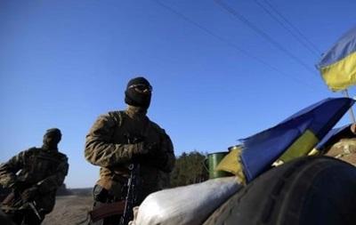 За минувшие сутки десантник погиб от пули снайпера, есть раненые - штаб АТО