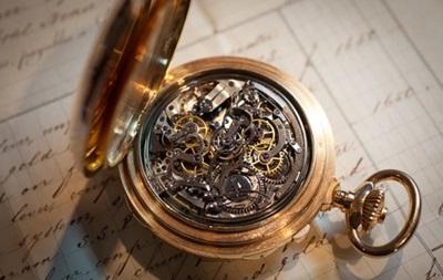 Cамые дорогие в мире часы продали за $21 млн на аукционе в Женеве