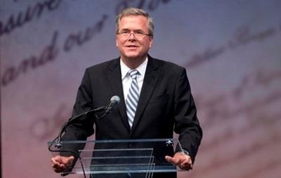Джордж Буш призвал младшего брата принять участие в выборах президента США