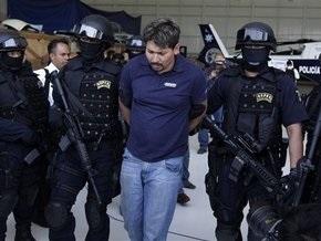 Неизвестные совершили серию атак на полицейские участки в Мексике