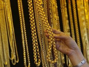 Киевлянин, ограбивший ювелирный магазин, сдал золото в ломбард